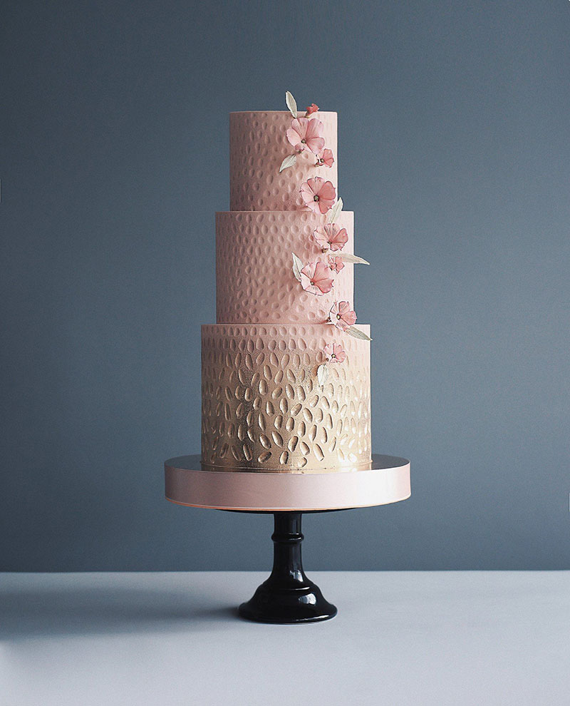 art cakes by tortik annushka 11 This Design Studio Makes Works of Art that Just So Happen to be Cakes
