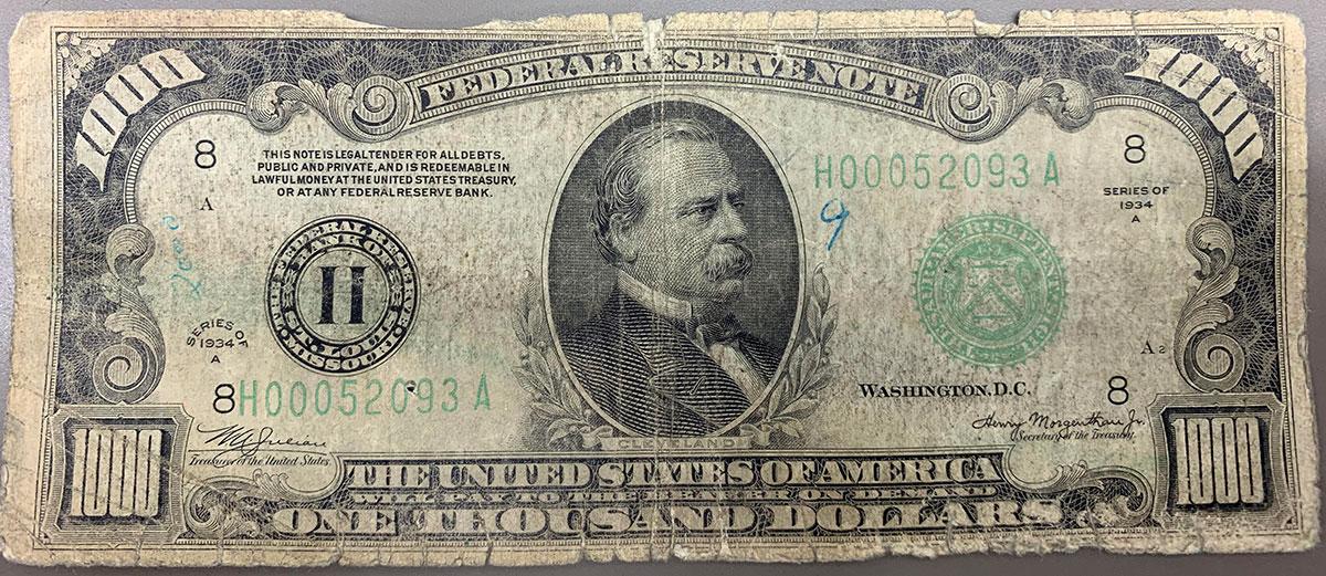 1000 dollar bill us rare Teller Shares Photo of Rare $1000 Bill a Customer Brought in to Deposit
