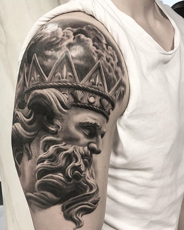 ancient greek and roman art tattoos by mr t stucklife 1 These Ancient Greek and Roman Art Tattoos are Amazing