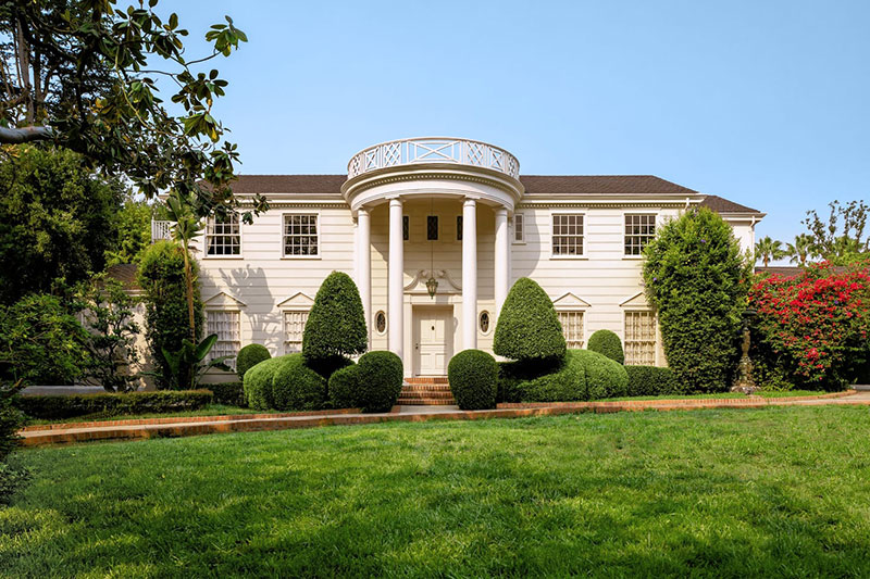 fresh prince of bel air mansion airbnb 5 The Fresh Prince of Bel Air Just Put the Mansion on Airbnb for $30 a Night