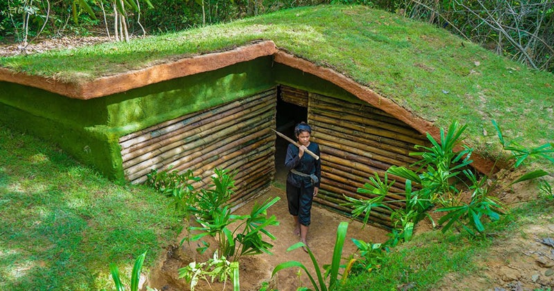 Woman Builds Amazing Underground House with Basic Tools and Bare Hands